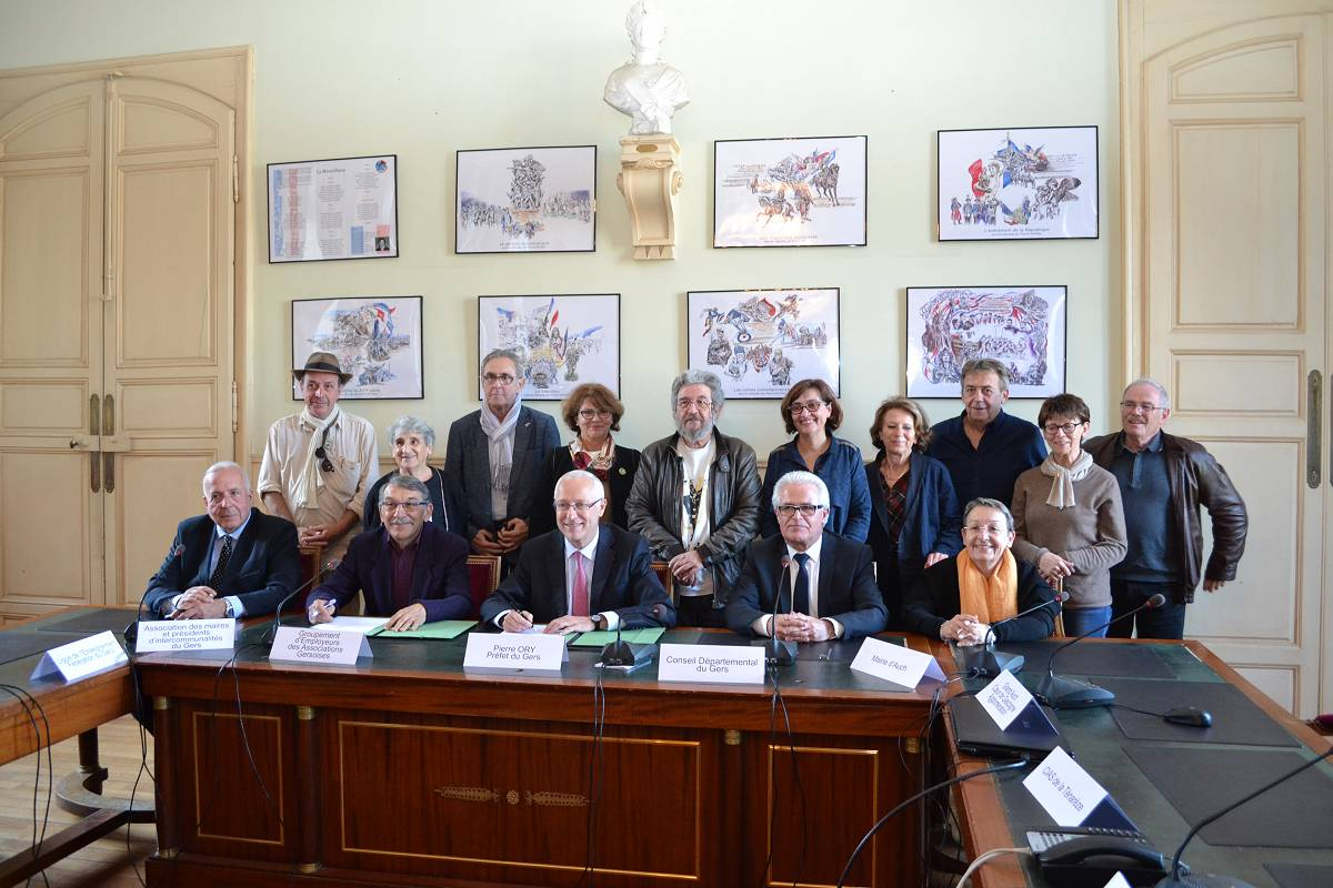 Signature de la convention de partenariat avec les associations gersoises