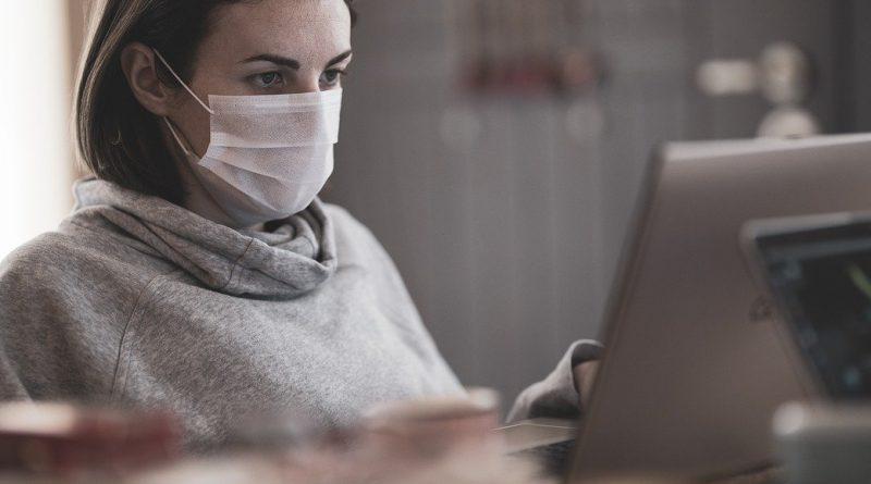 Travail avec un masque